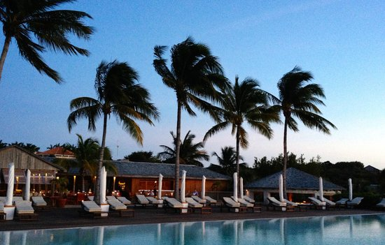 COMO Parrot Cay, Turks and Caicos: Lotus restaurant and infinity pool