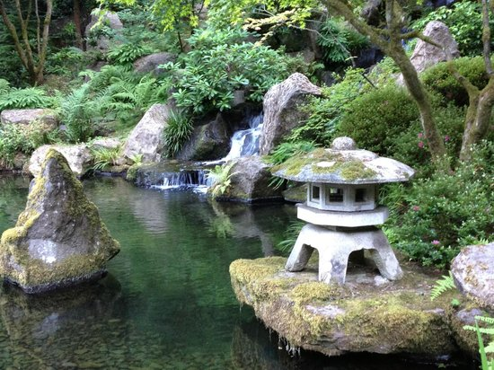 Portland Japanese Garden: Water features and mossy statuary.