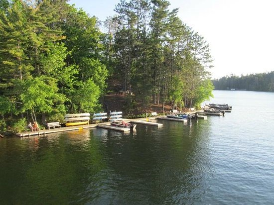 The Pointe Hotel & Suites: The Pointe Hotel and Suite docks on Lake Minocqua