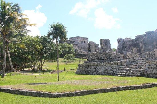Zona Arqueologica de Tulum: Mayan Ruins of Tulum
