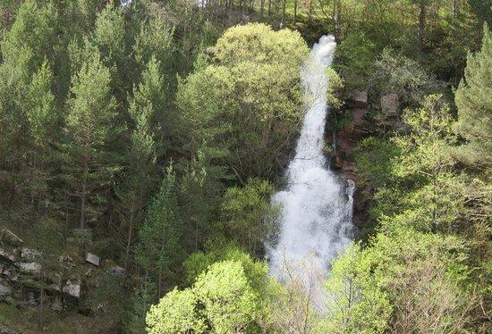 La Pobla de Lillet, สเปน: Waterfall