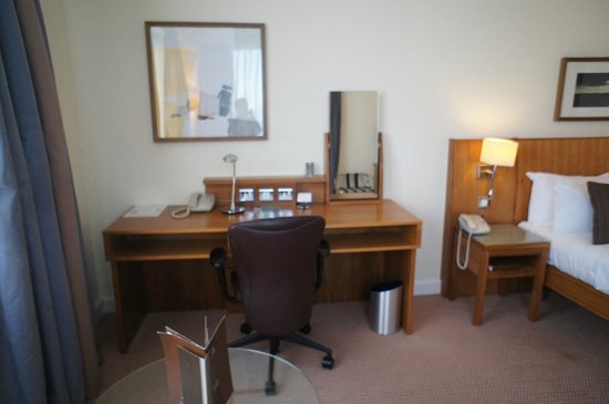 Hilton Dublin Airport Hotel: deluxe room