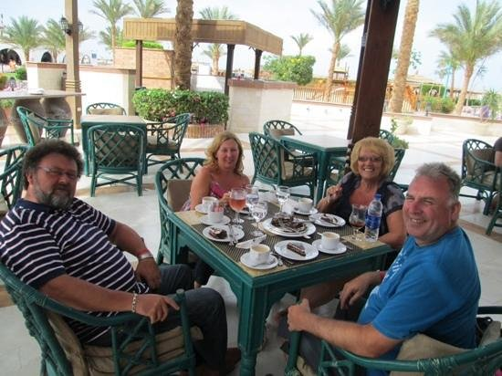 SENTIDO Mamlouk Palace Resort: cake in the Italian at lunch on last day thanks everyone