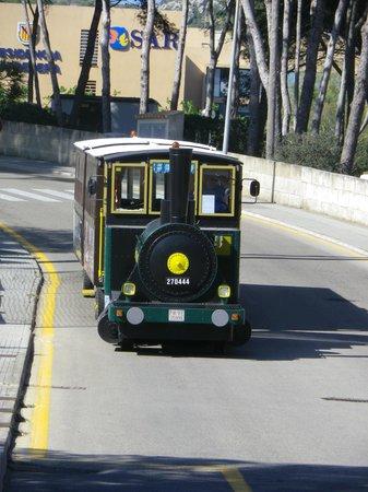 Club Marmara Roc Carolina : Le petit train.. devant l'hotel