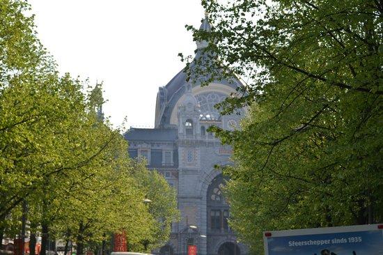 Bahnhof Antwerpen-Centraal: Centraal Station van Antwerpen