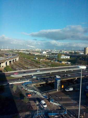 Holiday Inn Express Amsterdam-Sloterdijk Station: View from room (7th floor)