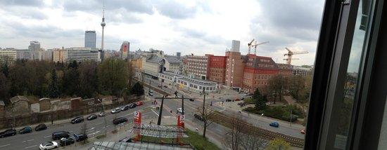 Ibis Berlin Mitte: Vista do quarto 730
