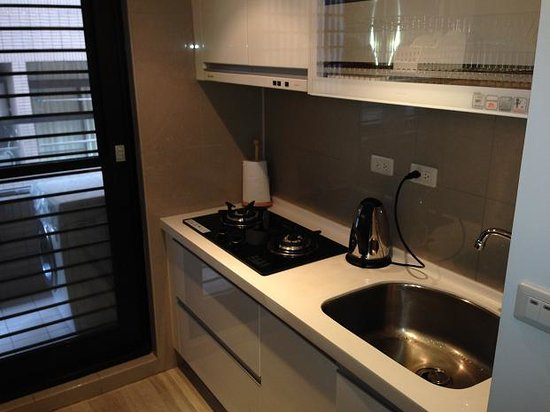 iTaipei Service Apartment : Kitchenette