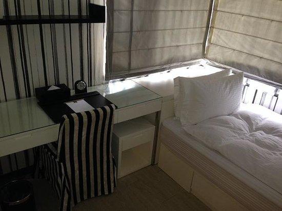 iTaipei Service Apartment: single-room in triple