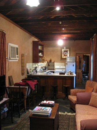 Buxton Manor: inside paprika cottage