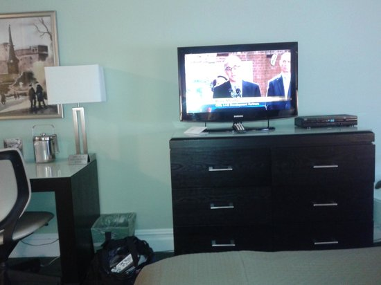Hotel Beacon : TV/work area