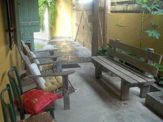 Guest House Cheiro De Vida: Área de descanso próximo a recepção