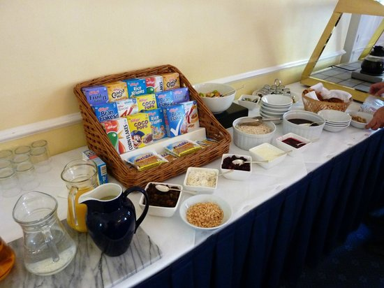 Lydiard House Conference Centre: Selection of buffet cold breakfast