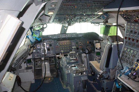National Museum of Science and Technology : Cabina 747