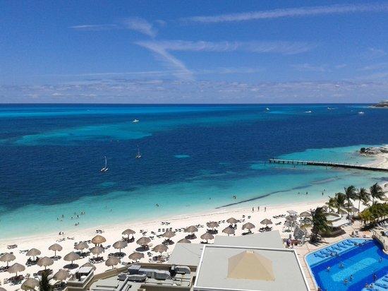 Hotel Riu Caribe: Vista de habiatacion