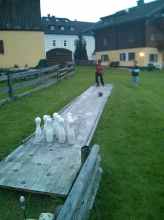 Landhaus & Haus Rustika: bowling in the yard