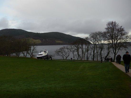 Loch Ness by Jacobite: desde el castillo, bella vista