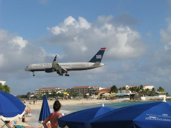 Sonesta Maho Beach Resort & Casino : view from the Maho beach watching the planes land and take off