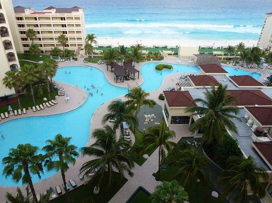 The Royal Caribbean: ホテルの部屋から