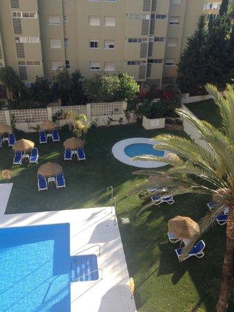 Hotel Mainare Playa Fuengirola: Children's pool and garden