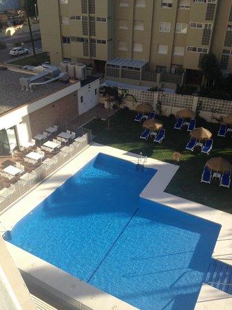 Hotel Mainare Playa Fuengirola: Main pool and garden