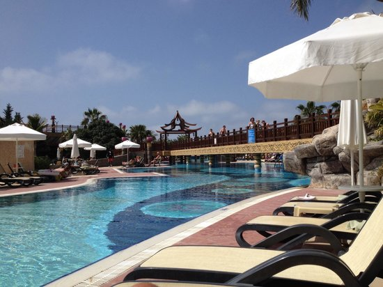 Royal Dragon Hotel : One of pools