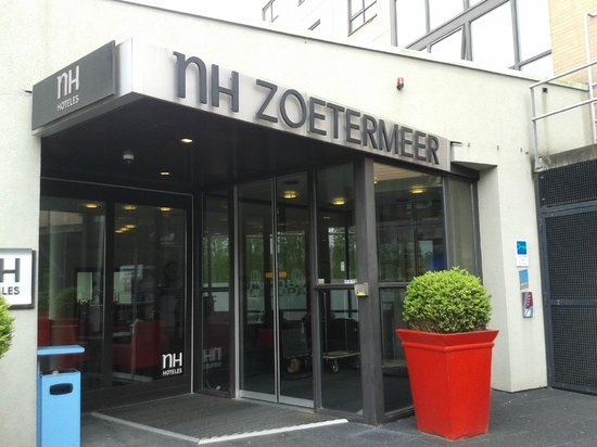 NH Zoetermeer: Entrance