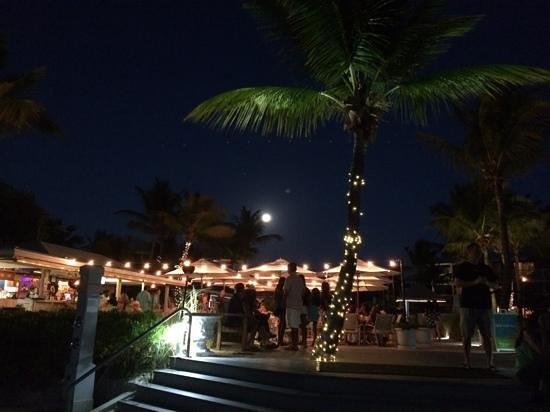 Ocean Club Cabana Bar & Grill: cabana bar