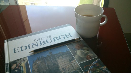 G&V Royal Mile Hotel Edinburgh : A brew and Hotel's excellent city guide