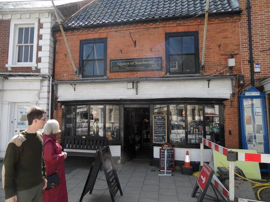 Squiers of Southwold: The cafe