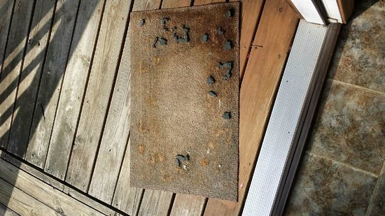 Chalet Village : Crumbling Welcome(?) Mat