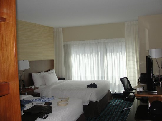 Fairfield Inn & Suites Chicago Downtown/River North: quarto