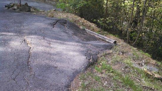 Chalet Village: Sunken Driveway