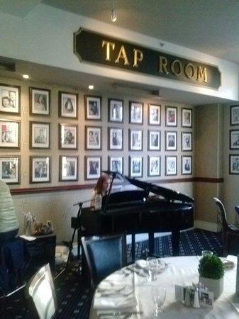 Historic Hotel Bethlehem: Tap Room
