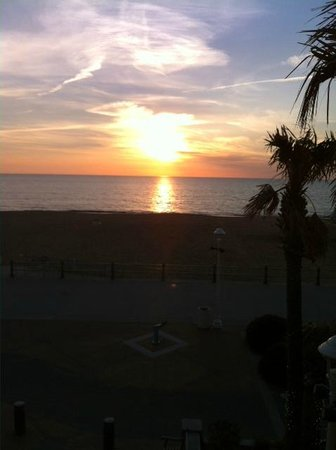 Oceanaire Resort Hotel: morning sunrise