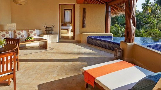 Villa del Sol Resort: Presidential Suite and terrace