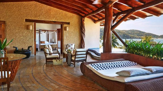 Viceroy Zihuatanejo: The Presidential Suite serves the utmost in luxury.