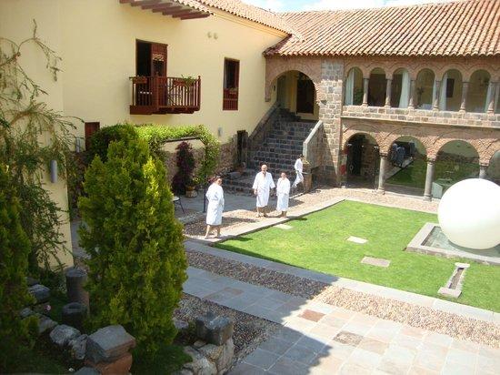 Casa Cartagena Boutique Hotel & Spa : Vista desde el parque a las habitaciones