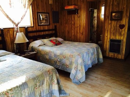 River Cove Cabins : cabin 4- beds