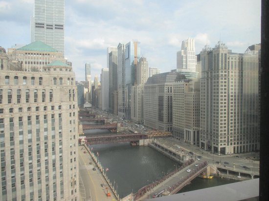 Holiday Inn Chicago Mart Plaza River North: View from Cityscapes bar