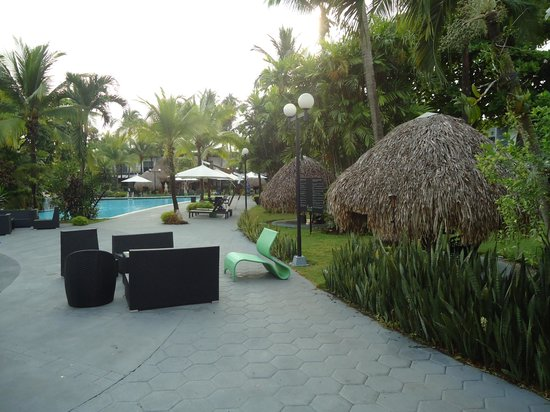 Riande Aeropuerto : detalhe da área externa do hotel