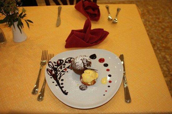 Trattoria Da Bruno : Tortino al cioccolato