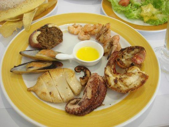 Capitan Mandy: Seafood parillhada