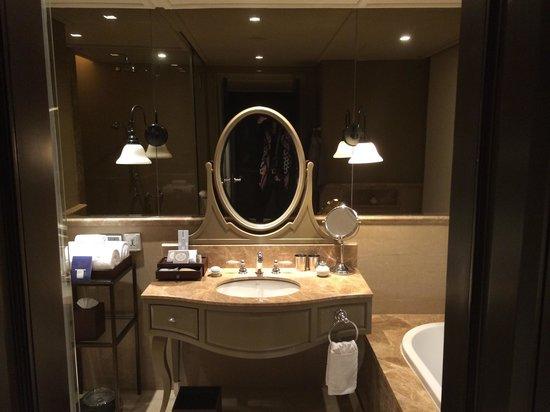 Hotel Muse Bangkok Langsuan - MGallery Collection : Bathroom
