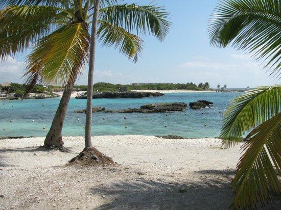 Grand Sirenis Riviera Maya Resort & Spa: Calm as a swimming pool