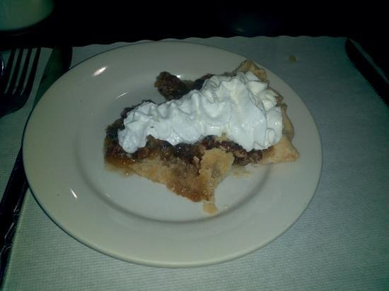 Chambersburg Diner: Pecan Pie - heated