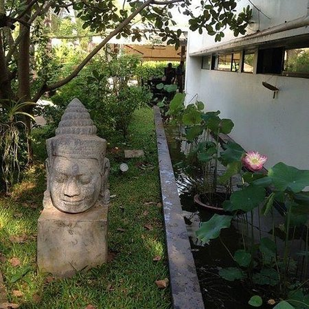 Sojourn Boutique Villas : Lovely grounds!