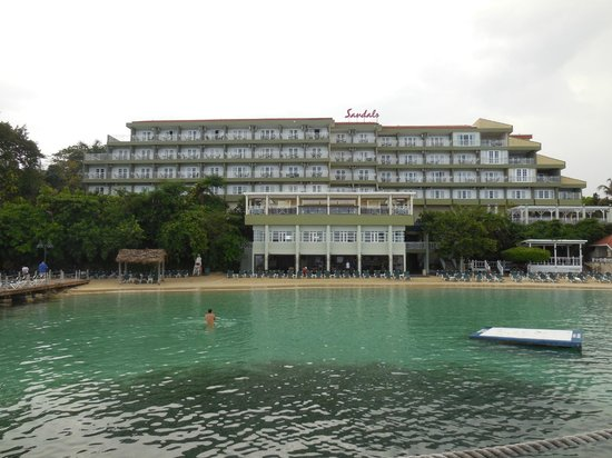 Sandals Ochi Beach Resort: Main Building