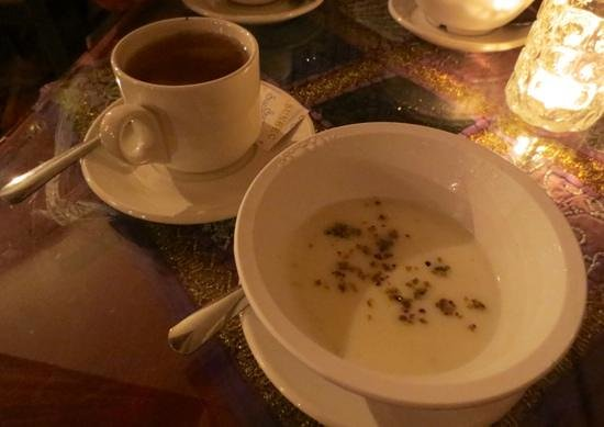 Khyber Pass: Chai and rose water pudding...yummm