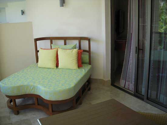 Excellence Playa Mujeres: Comfy bed on balcony